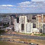 El hotel y su manzana visto desde la torre de TV