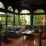 Uhu Villa Veranda/Sitting Area