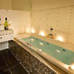 Sumptuous Sspa bath