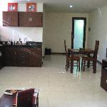 apartment showing kitchen area.