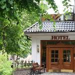 Außenansicht Nebengebäude und Restaurant