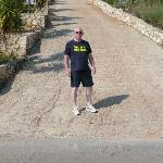 The steep drive up to the villa !!