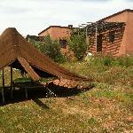 Aussen mit Zelt