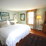 The George, King size bed room