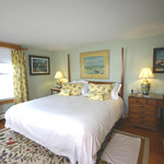 The James, King size bed room