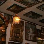 Henny's Bar