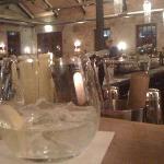 Blick von er Bar in den Restaurantbereich