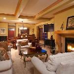 Creekside condo living room