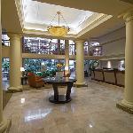 Lobby & Tropical Atrium