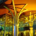 Detalhe da fachada do Holiday Inn Express Natal