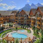 StoneRidge Mountain Resort Courtyard