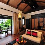 Suite Affair (Living room)
