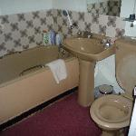Superior Room Sixties Bathroom