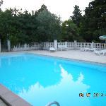 La piscine environ 15m de long.