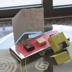 Welcome Chocolates with a Handwritten Card. Nice!