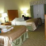 chambre double très grands lits