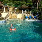 Vue piscine où Clémence, la petite, comme Camille, la grande, se sont éclatées...
