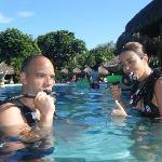 De buceo en la piscina
