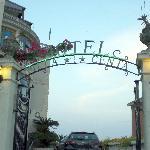 L'ingresso all'Hotel Villa Centa.