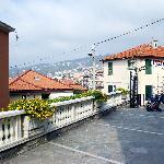 Il piazzale antistantela villa.