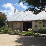 Comfort and Utopia Cottage