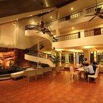 Circle Inn Lounge