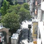 La vista dalla nostra Stanza, Meselik Sokak
