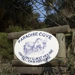 Paradise Cove Guest House Entrance