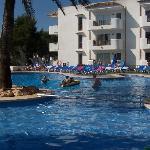 Shaded Kiddie pool area, Cala Azul park