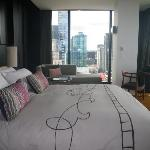 Melbourne: Crown Metropol: Room