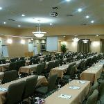 We offer 2,500+ sq ft of meeting space for a large banquet or meeting. We also offer a breakout
