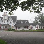 Main house and motel rooms