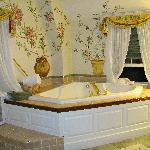 Jacuzzi in the Balcony Room