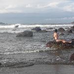C having coffee on the rocks