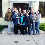 Gruppenfoto vor der Rezeption