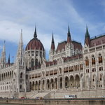 hungrarian parliament