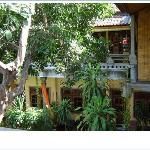 ca. 13 Einzimmer/Bad Appartements mit Balkon/Terasse und Garten- und/oder Meerblick