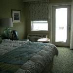 New room w/balcony