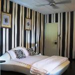 Stylish Vanilla Black room