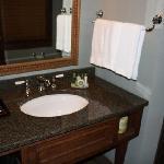 Bathroom (room 6508)