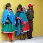 Quichua-Indianerinnen in Guamote, an ihren Hüten kann man erkennen (wenn man's weiß) woher sie k
