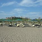 Blick vom Strand Richtung Hotel