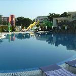 Pool Hotel Zvete und Rutschen
