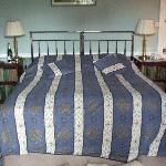 BIG comfy bed