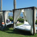 Beach Club beds = €15!!