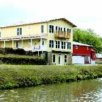 Riverrun B&B (Canal side)
