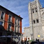 Vista del restaurante junto la catedral de Ávila