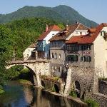 Hotel Garni Paleta is near the Stone bridge and the river