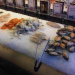 Frische Zutaten, welche man in die Küche bringen kann, um diese dort zubereiten zu lassen - (NIC