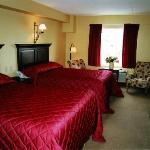 16 rooms with 2 Queen Beds in each.